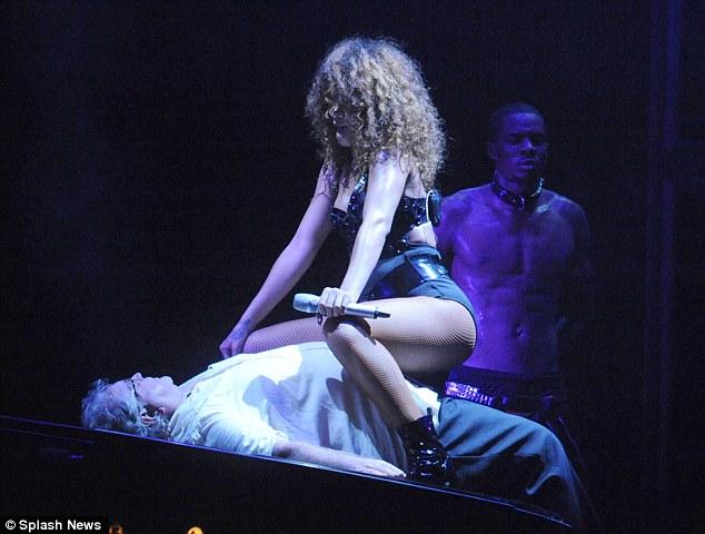 image Rita ora gives lapdance to fans